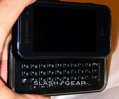 image_13971_largeimagefile Samsung F700 QWERTY Phone to Challenge HTC in USA