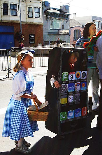 image_14153_largeimagefile I Want To Be an iPhone For Halloween