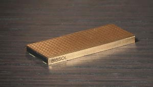 image_14229_largeimagefile Bissol 4GB Flash Drive is Lightweight Luxury