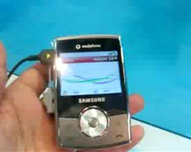 image_15118_largeimagefile Tiny Samsung SGH-i640 Hides QWERTY, Gets Vodafone Badging