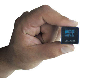 image_19060_largeimagefile Tiny MP3 Player Boasts 2GB of Tunes