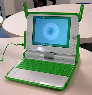 image_23704_largeimagefile Video: Playing Super Mario Bros. on OLPC XO