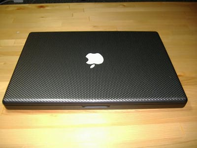image_24300_largeimagefile Apple MacBook gets dressed up in carbon fiber