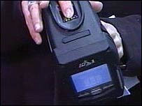 image_25434_largeimagefile U.K. cops to sport portable fingerprint scanners