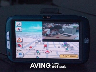 image_31219_largeimagefile Freenex DXM-760 combines DMB and GPS, has picture-in-picture