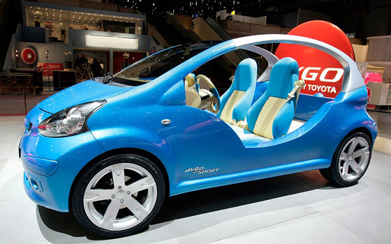 image_39831_largeimagefile Toyota unveils roofless the sporty Aygo