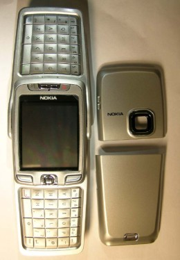 image_41530_largeimagefile Nokia E70 business phone with QWERTY keyboard