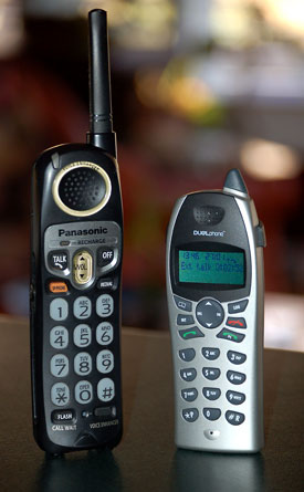 image_41746_largeimagefile Review: Cordless DualPhone makes Skype your home phone