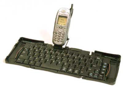 image_62230_largeimagefile Nextel To Offer First Full-Size Portable Keyboard for Wireless Phones