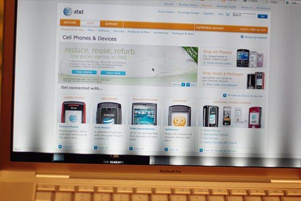 image_9170_superimage Penryn MacBook Pro Has LED Backlight Problems