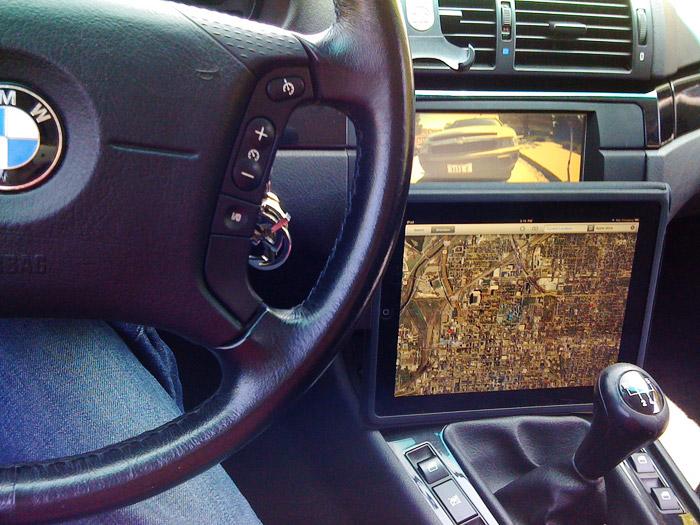 "Apple iPad as a ""carputer"" Photo: Flickr"