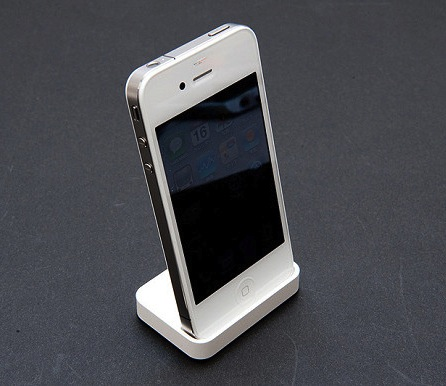 142240-white_iphone_4_dock