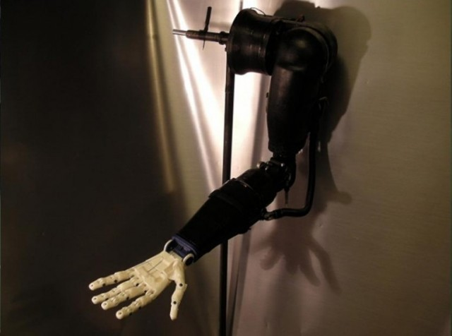 130813-prosthetic2