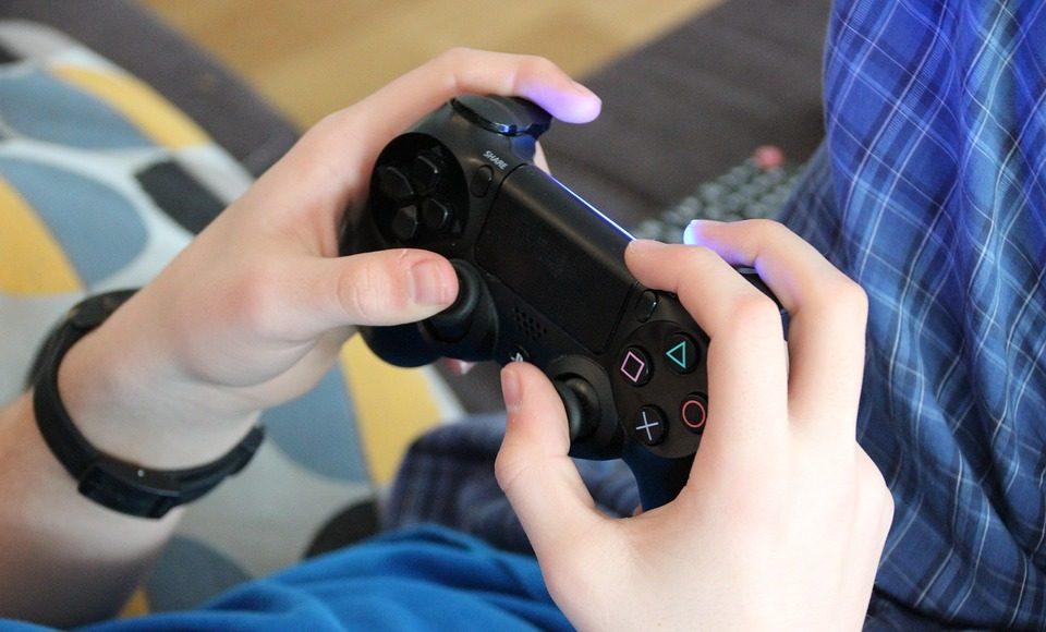 game-1232879_960_720-960x580 Videos